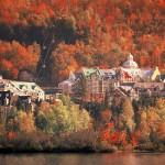 ローレンシャン高原は湖沼も多く、自然が美しい。(C) Tourism Quebec