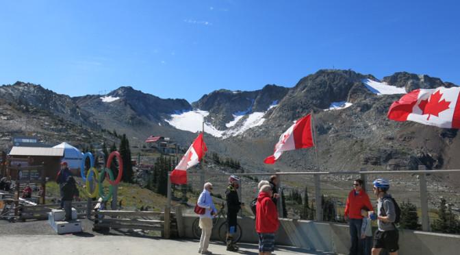 ピーク2ピーク・ゴンドラでダイナミックな山岳風景を!ウィスラー・ブラッコム 夏の観光ガイド