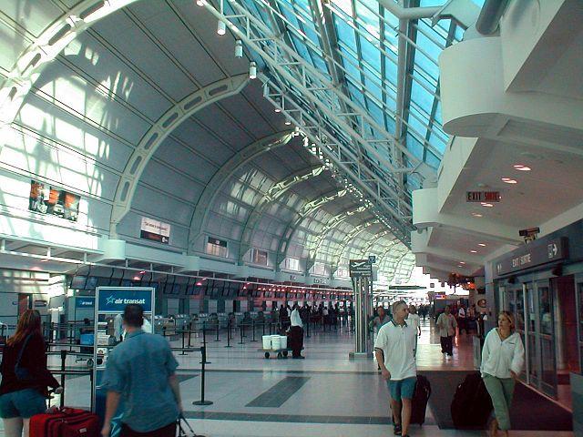 トロント空港アクセスガイド。列車、シャトルバス、地下鉄&バス、タクシーと、トロント空港からダウンタウンへのアクセス方法を徹底比較!
