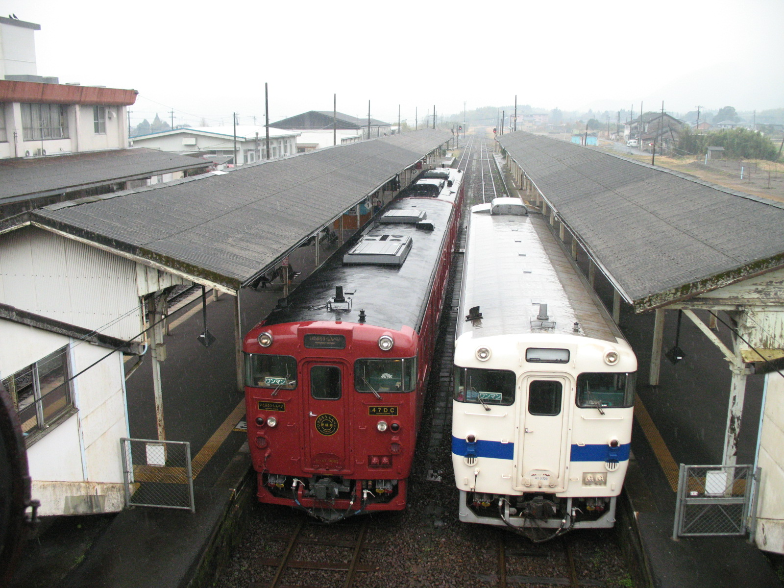 Isaburo and local train at Yoshimatsu station