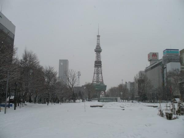 Odori koen (Odori Park) is one of the popular spot in Sapporo. (C) JP Rail
