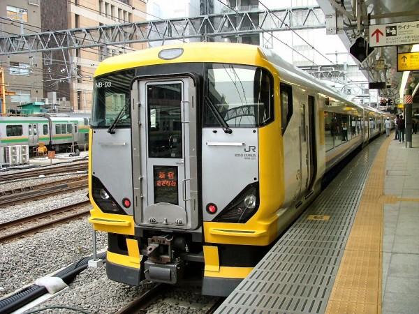 Limited Express Sazanami by newer E257 series