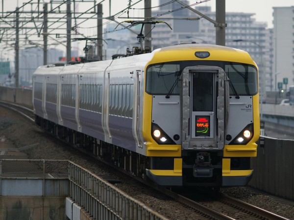 Limited Express Shiosai by newer E257 series