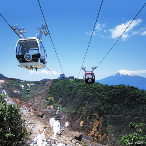 Hakone Ropeway is one of the best way to see the mountains surrounding Hakone. (C) Odakyu Electric Railway / JNTO