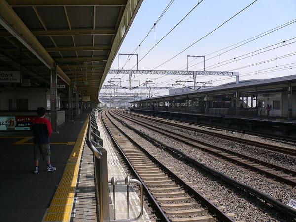 (C) Odawara Staton JR Tokaido Shinkansen - photo by Araishohei