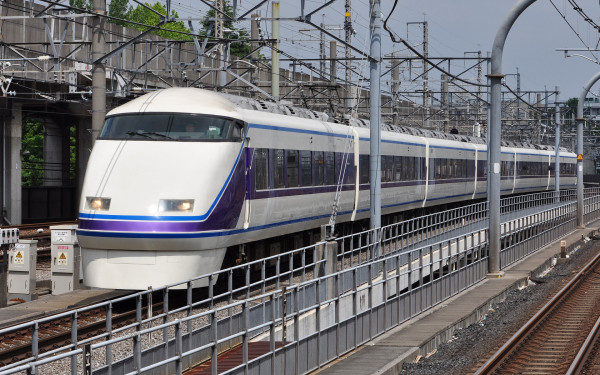 Limited Express Kegon and Kinu are operated by 100 series. Actually this fleet is much better than JR 253 series.