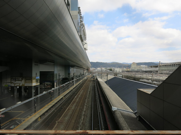 Overview of Kyoto station's platforms. Left side is platform #0 and station building at Karasuma central exit. (C) JP Rail