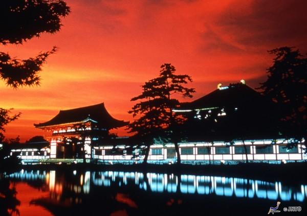 Todai-ji temple in Nara  ©Nara Prefecture/©JNTO