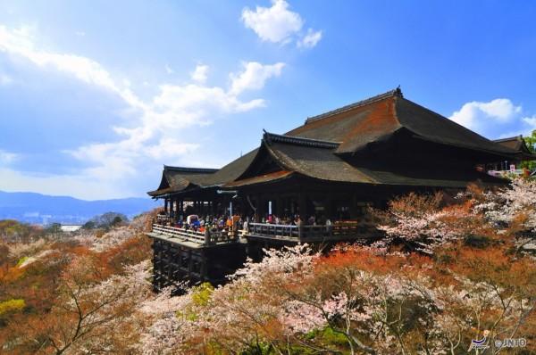 Kiyomizu-dera temple is one of Must See spot in Kyoto. ©Sue Ann Simon/©JNTO