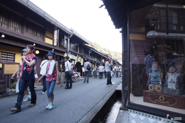 Takayama has lovely preserved street. It is one of most popular destinations in Japan. ©Akimasa Yuasa/©JNTO