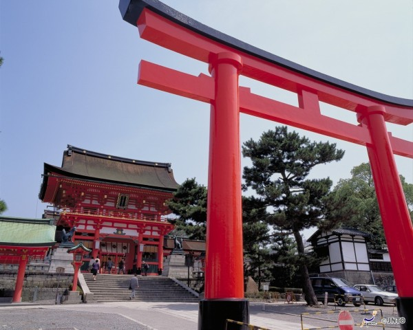 Fushimi Inari shrine is most popular spot in Kyoto in these days. ©Kyoto Convention Bureau /©JNTO