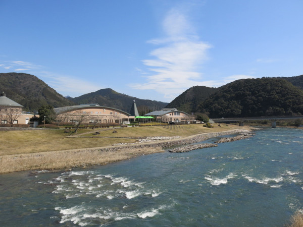 Nijinomori Park is located beside Hiromi river.