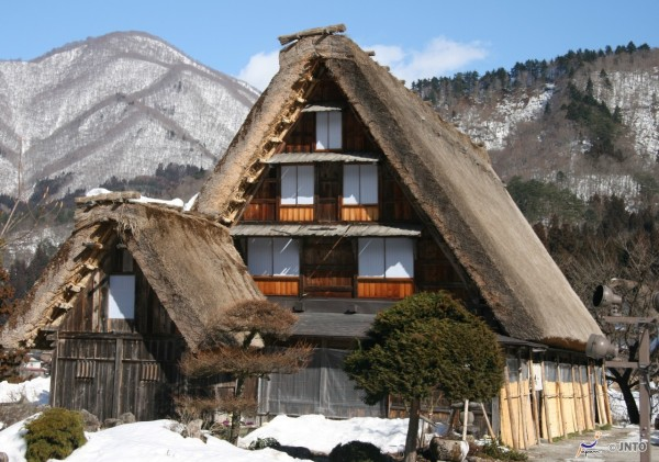 Gasshozukuri housing is the landmark of Shirakawago. (C) Akira Okada/ (C) JNTO