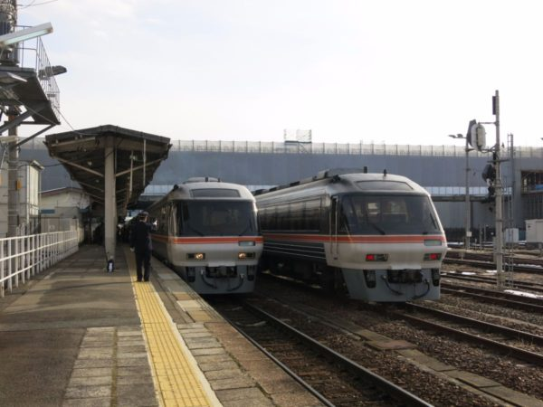 Limited Express Wide View Hida at Takayama station