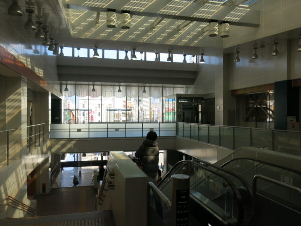 Escalators and stairs to Oshigo-guchi (east side)
