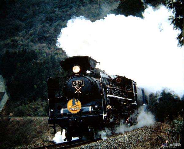 SL Yamaguchi is one of most popular train by steam locomotive. (C) soryofu / JNTO